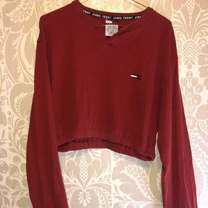 DIY Tommy Hilfiger crop sweater